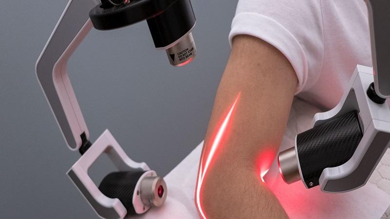مزایای لیزر پرتوان در طب فیزیکی و توانبخشی | بهترین متتخصص کایروپراکتیک