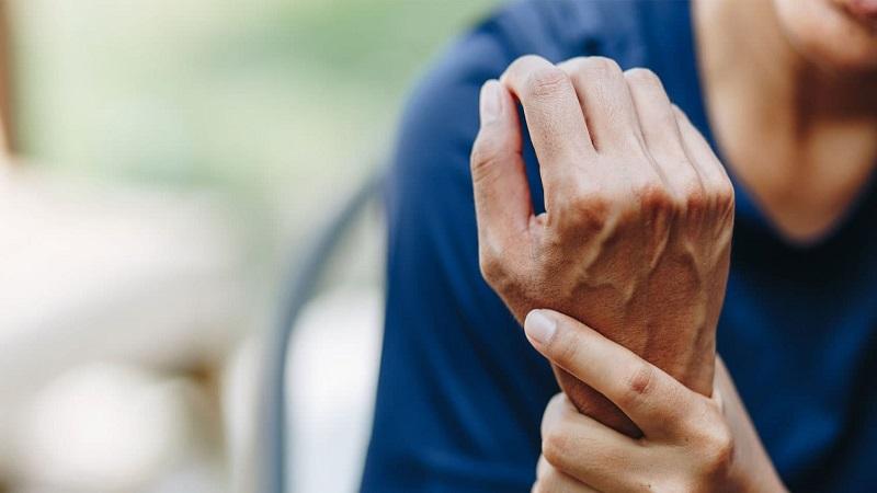 نشانه های بیماری آرتروز را بشناسید ؟ ( بیماری التهاب مفاصل )