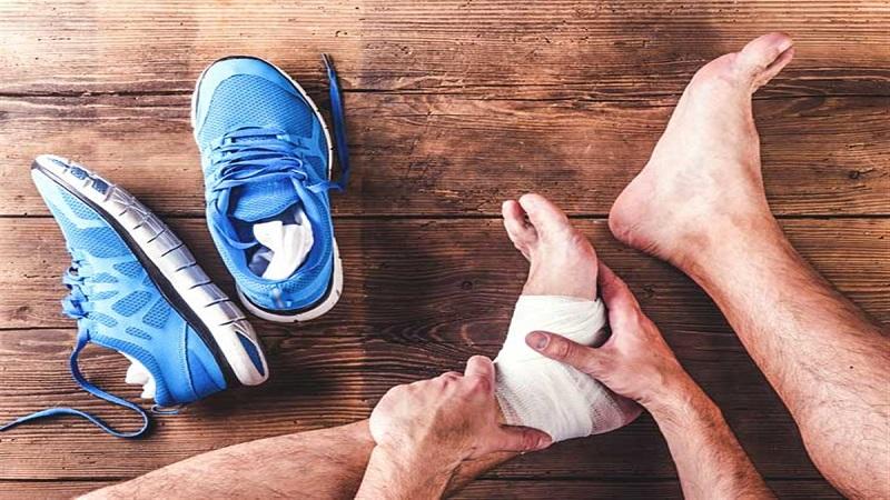 درمانهای فیزیکی برای پا و ران چگونه انجام میشود؟ | بهترین متخصص کایروپرکتیک اصفهان